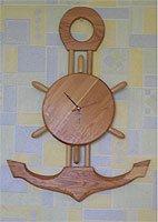 Часы-якорь из дерева