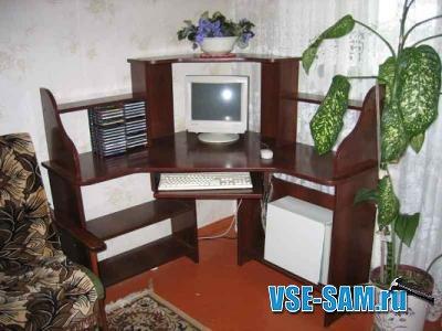 Самодельный угловой компьютерный стол