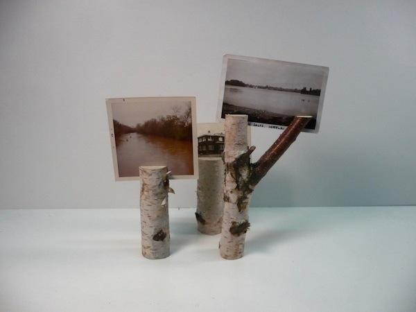 Деревянные чурки вместо подставки для фотографий