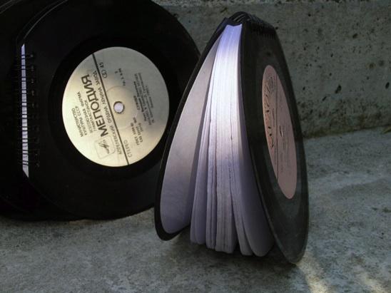 записная книжка с обложкой из пластинок