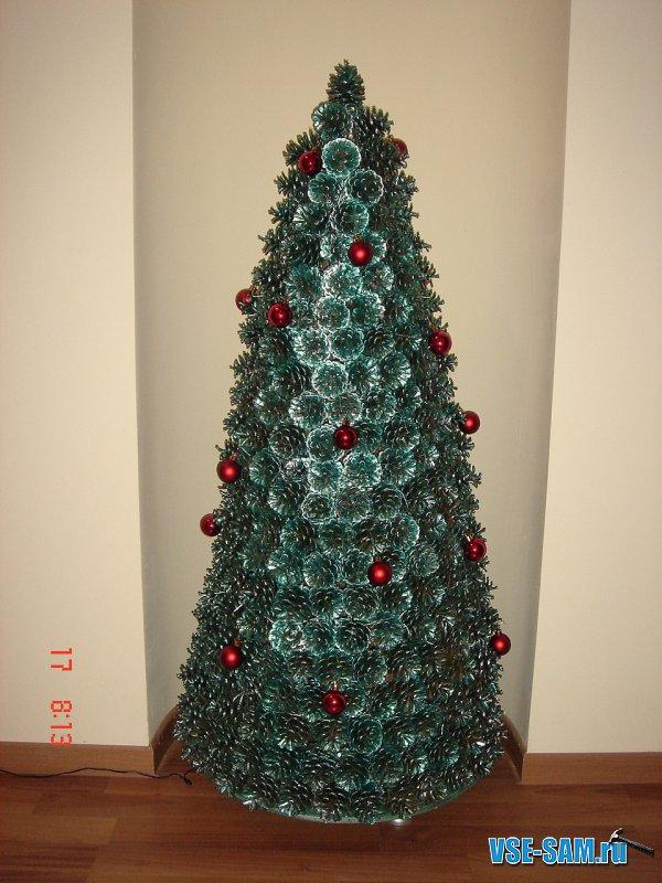 Елка на новый год. Новогодняя елка своими руками из шишек.