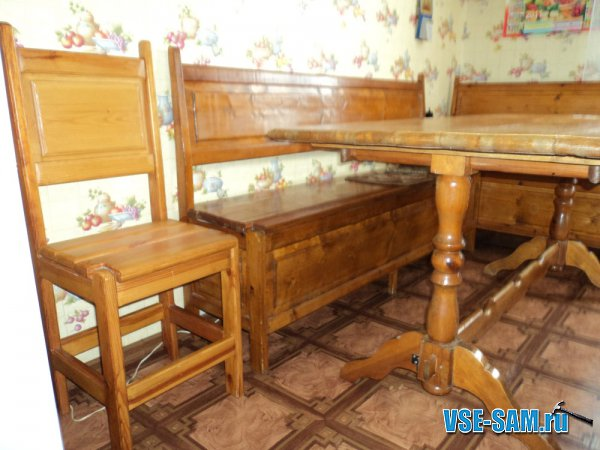 Кухонный уголок из дерева