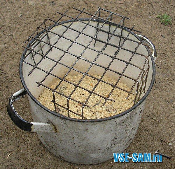 Коптилка горячего копчения из кастрюли